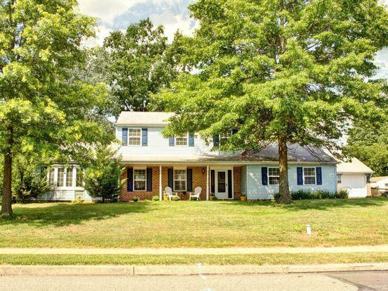 1551 Apple Blossom Dr, Hatfield, PA 19440