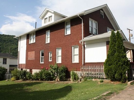 523 Temple St, Hinton, WV 25951