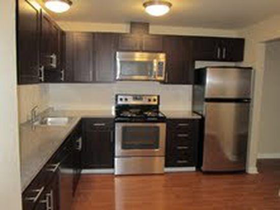 11244 Greenwood Ave N APT 205, Seattle, WA 98133