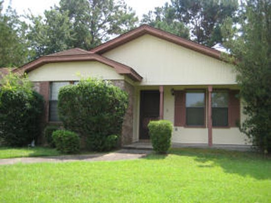 110 Sis Cir, Hattiesburg, MS 39402