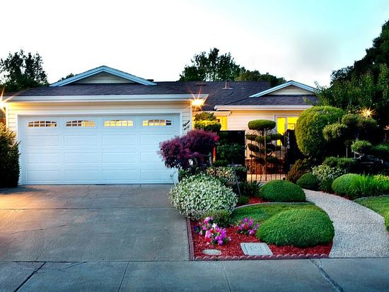 1540 Gilmore St, Mountain View, CA 94040