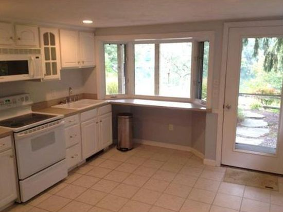 5 Oar And Line Rd, Plymouth, MA 02360