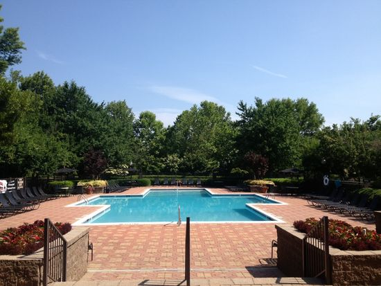 2438 Waterford Forest Cir, Cary, NC 27513