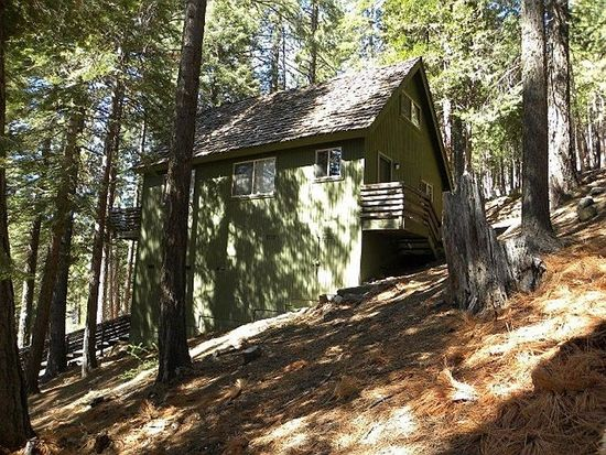 7468 Henness Ridge Rd, Yosemite National Park, CA 95389