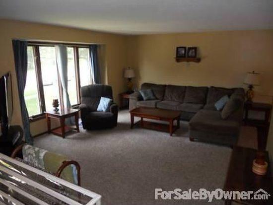 4216 Western Hills Dr, West Des Moines, IA 50265