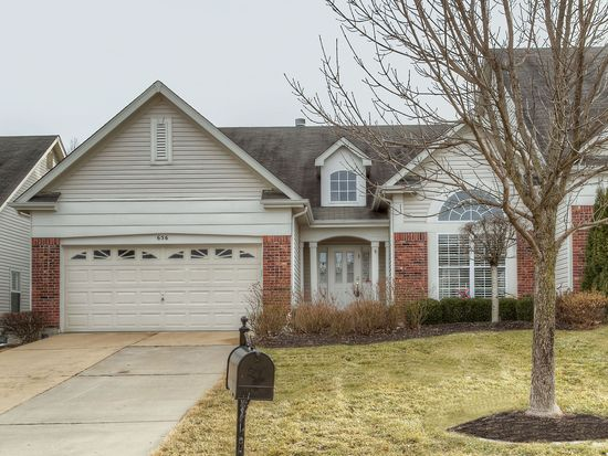 656 Stonebrook Ct, Chesterfield, MO 63005