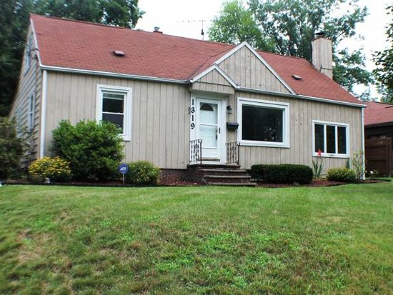 1319 Highbridge Rd, Cuyahoga Falls, OH 44223