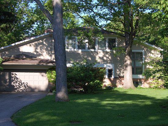 1124 Wade St, Highland Park, IL 60035