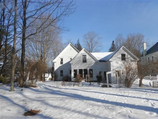 12 Rogers St, Plymouth, NH 03264