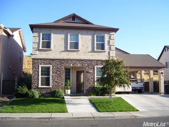 1761 W J St, Oakdale, CA 95361