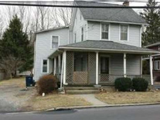 5744 Main St, Center Valley, PA 18034