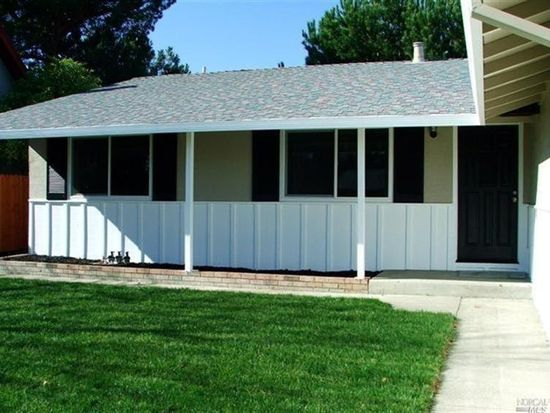 550 Silver Dr, Vacaville, CA 95687
