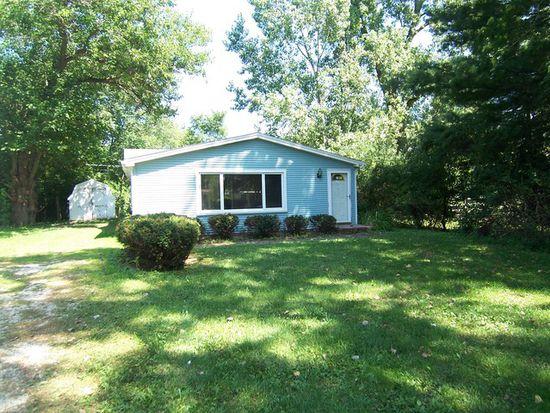 103 Rosebud Ave, Crystal Lake, IL 60014