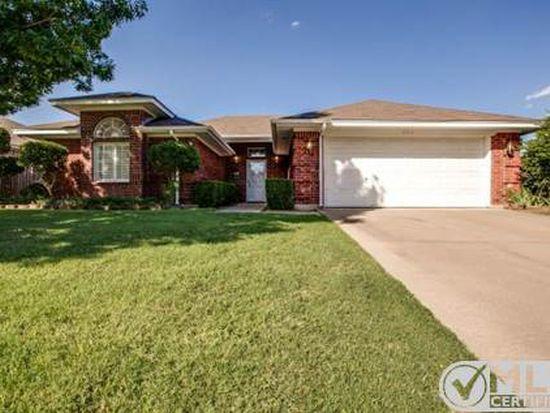 836 NW Park Meadow Ln, Burleson, TX 76028