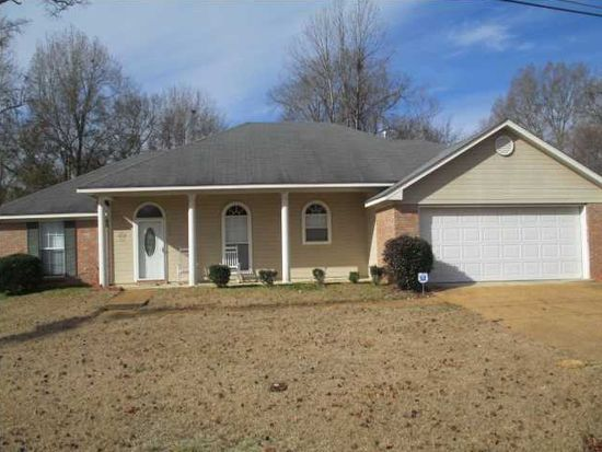 373 Siwell Meadows Dr, Byram, MS 39272