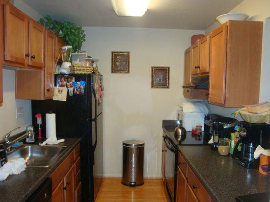 9943 Ridgeline Dr, Montgomery Village, MD 20886