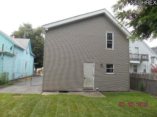 3289 W 61st St, Cleveland, OH 44102