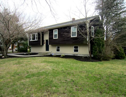 1022 Braley Rd, New Bedford, MA 02745