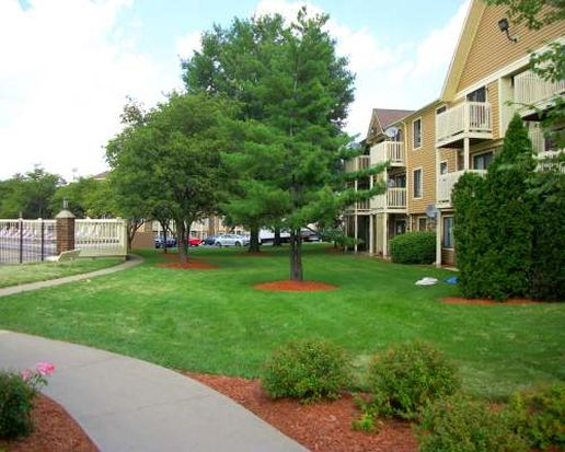 525 Gregory Ave APT 1B, Glendale Heights, IL 60139