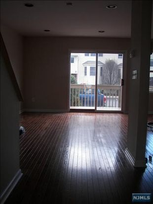 45 Royal Ave APT 29, Hawthorne, NJ 07506