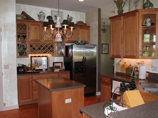 4740 Coyote Lakes Cir, Lake In The Hills, IL 60156