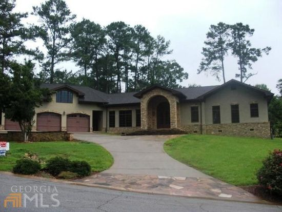 102 Golfview Ct, Carrollton, GA 30117