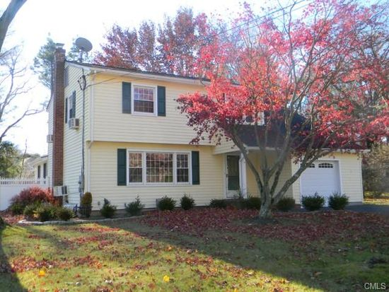 34 Purdy Rd E, Norwalk, CT 06850