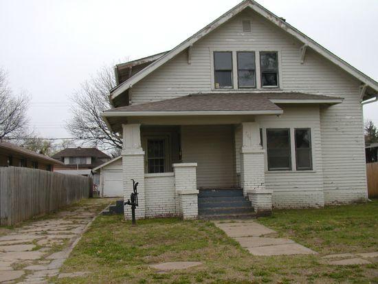 705 W Blackwell Ave, Blackwell, OK 74631