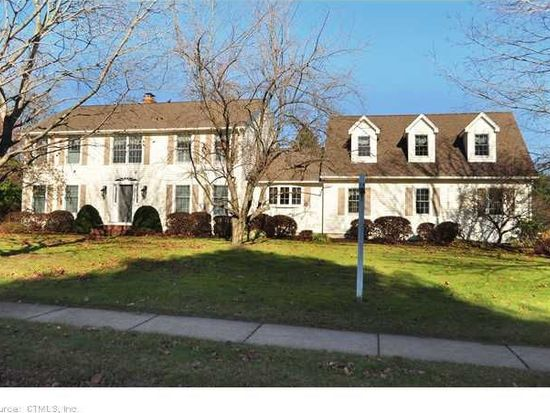 102 Orchard Hill Dr, Windsor Locks, CT 06096