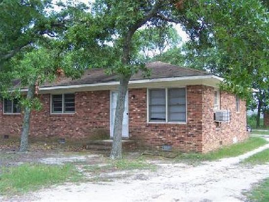 1051 Honeycutt Rd, Fayetteville, NC 28311