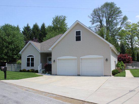 11660 Oakwood Rd, Conneaut Lake, PA 16316