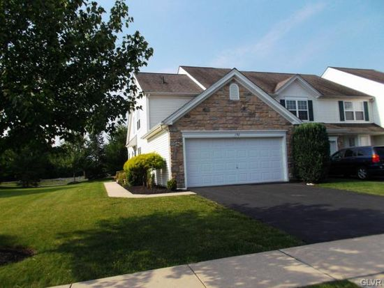 192 Park Ridge Dr, Easton, PA 18040