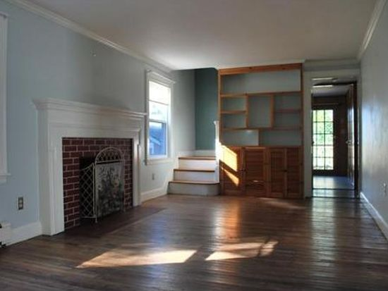 27 Meadow St, Quincy, MA 02171