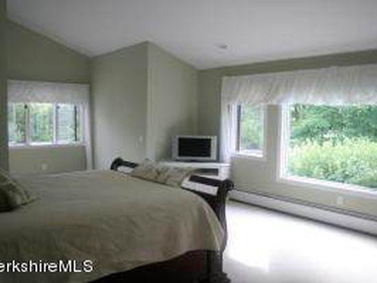 19 Coldbrooke S #B, Lenox, MA 01240