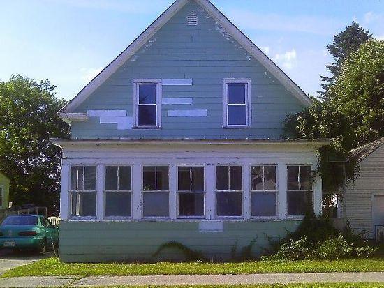 51 Hanover St, Skowhegan, ME 04976