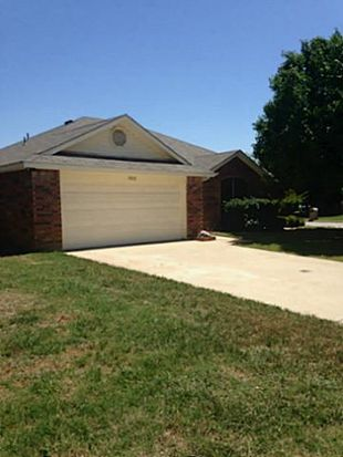 1706 Ryanfeld Dr, Mansfield, TX 76063