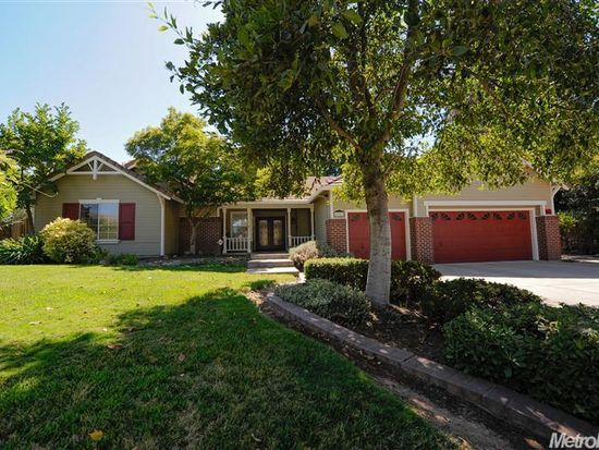 9701 Partridge Ct, Oakdale, CA 95361