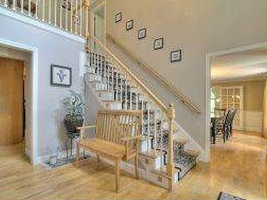 120 Castle Hill Rd, Windham, NH 03087