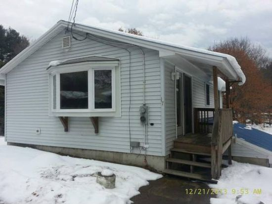 17 2nd St, Claremont, NH 03743