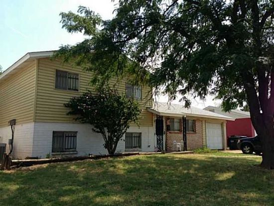 929 NW 22nd St, Moore, OK 73160