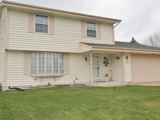 8801 S 84th St, Franklin, WI 53132
