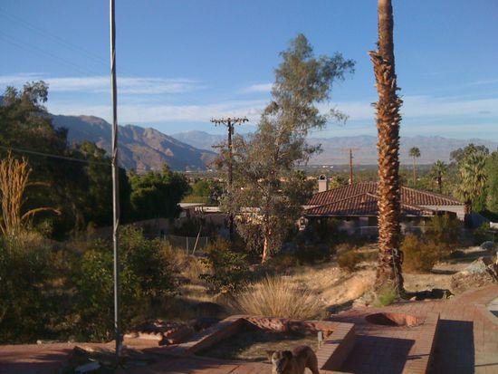 2355 S Bisnaga Ave, Palm Springs, CA 92264