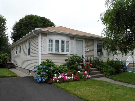 172 Williams St, Cumberland, RI 02864
