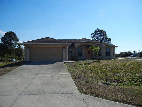 652 Chattman St E, Lehigh Acres, FL 33974