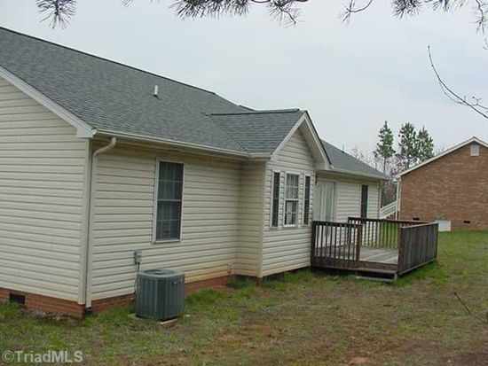 124 Pine Cone Dr, Stoneville, NC 27048