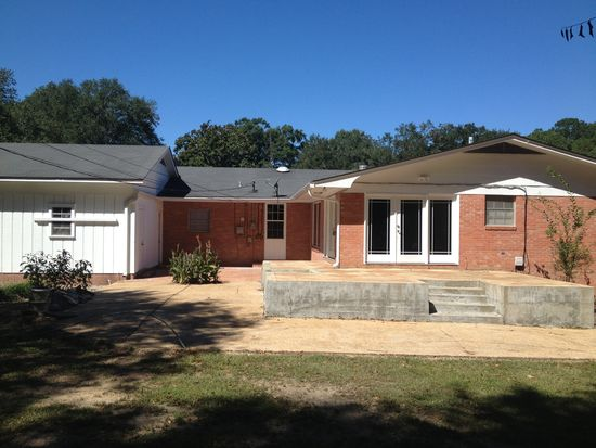 103 E Highland Dr, Brookhaven, MS 39601