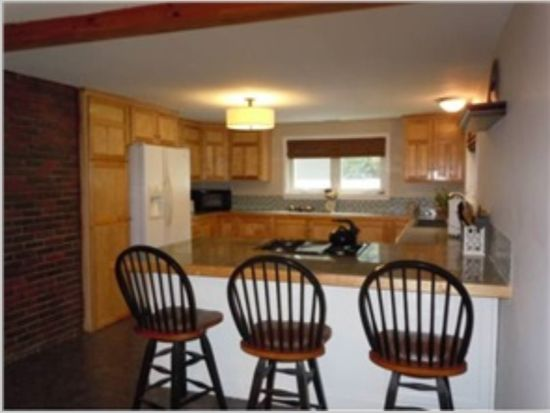 13 Cross Rd, Exeter, NH 03833