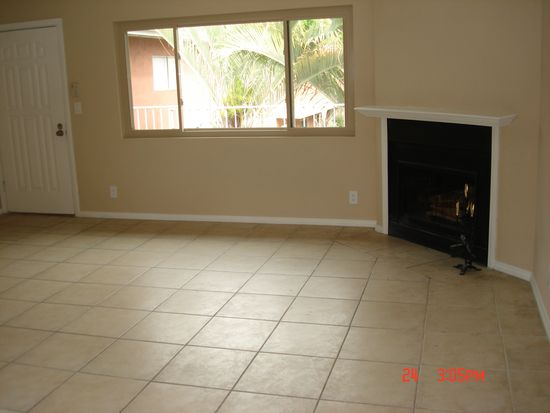 1060 E Washington Ave APT 16, Escondido, CA 92025