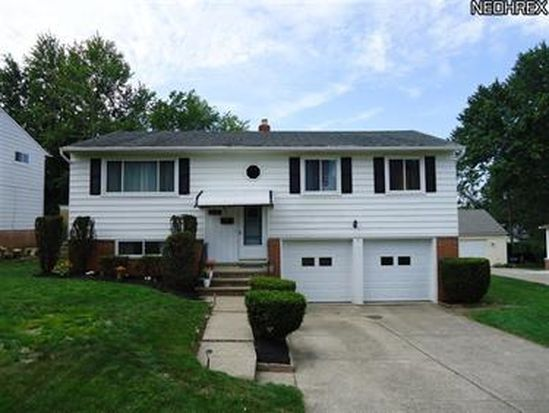 5360 Chestnut Hill Dr, Willoughby, OH 44094