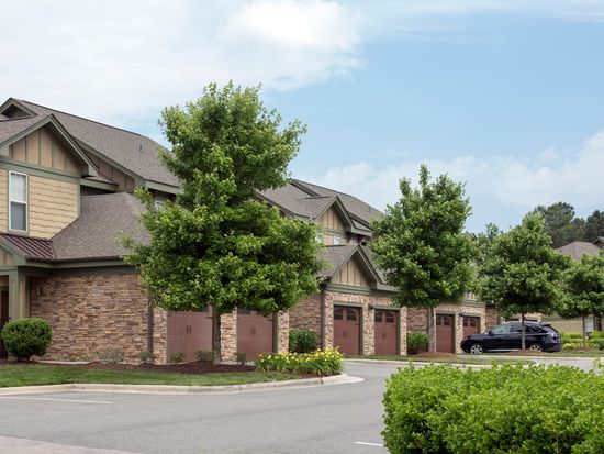 Southpoint Village, 2x2 - 1220-1330 sqft